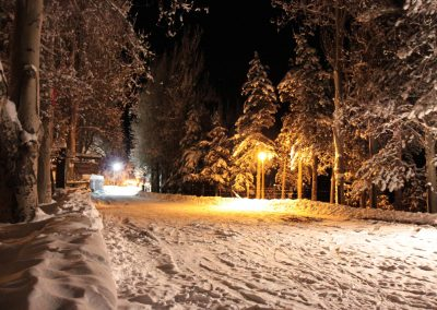 NIEVE Parking Hotel Noche luces y nieve 01
