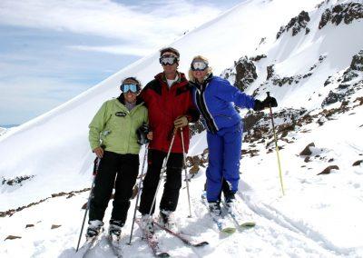 NIEVE Skiers in La Parva