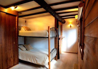 Triple or Quad room 09